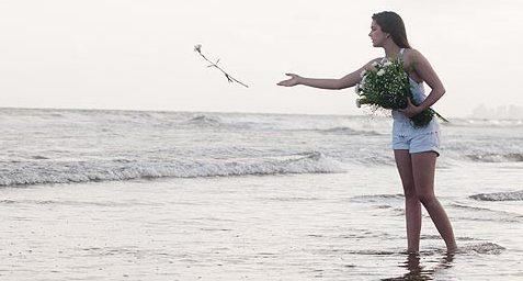 Resultado de imagem para ano novo pular 7 ondas